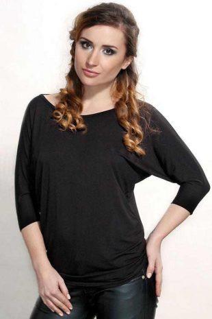 Wygodna przedłużana czarna bluzka Violana Lamia