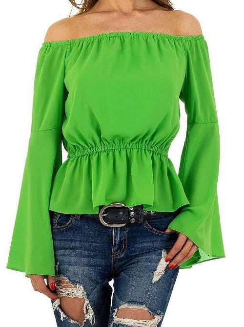Zielona bluzka z opuszczonymi rękawami