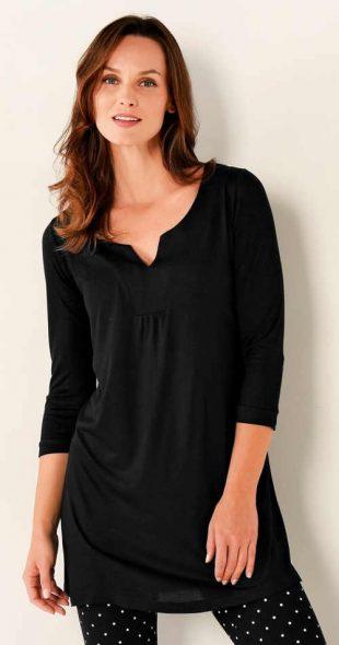 Długa monochromatyczna czarna tunika dla plus size